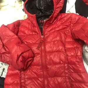 Light warm dawn jacket with a hood, packable